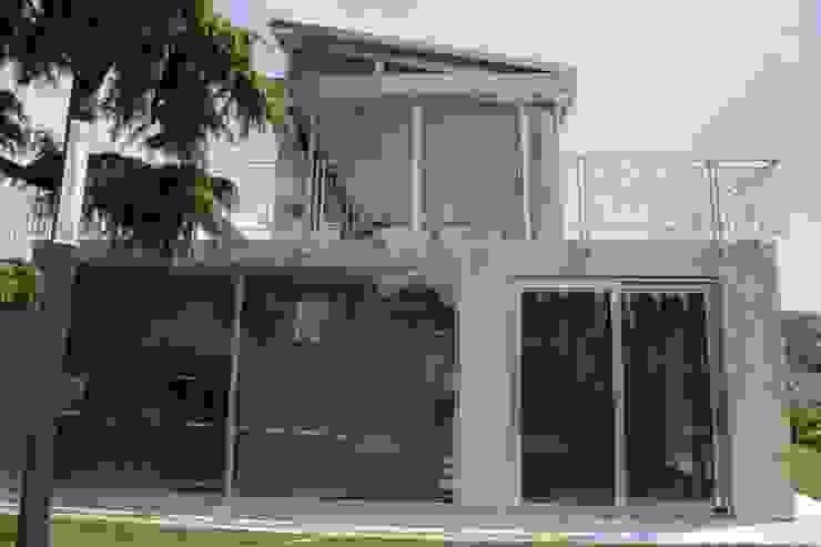 STUDIO DI ARCHITETTURA ZANONI ASSOCIATI Minimalist style garden