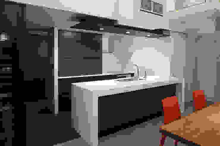 キッチン モダンな キッチン の Far East Design Labo モダン