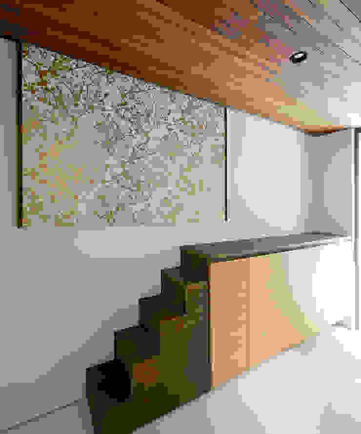 玄関ホール3 モダンスタイルの 玄関&廊下&階段 の H建築スタジオ モダン