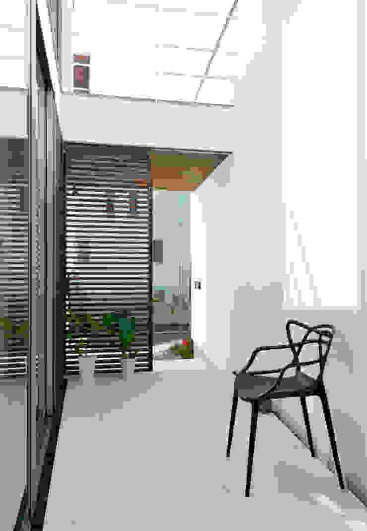 テラス2 モダンデザインの テラス の H建築スタジオ モダン