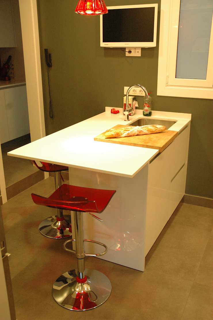 ANA EMO INTERIORISMO 現代廚房設計點子、靈感&圖片