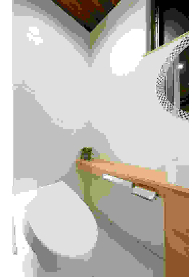 トイレ モダンスタイルの お風呂 の H建築スタジオ モダン