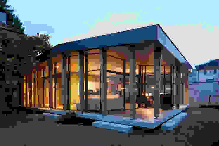 Moderne balkons, veranda's en terrassen van Coon Architektur Modern