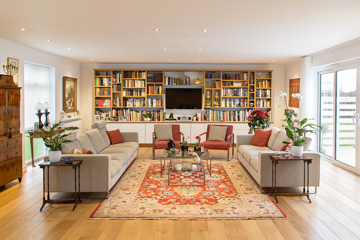 Hawtrey Road, NW3:  Living room by XUL Architecture