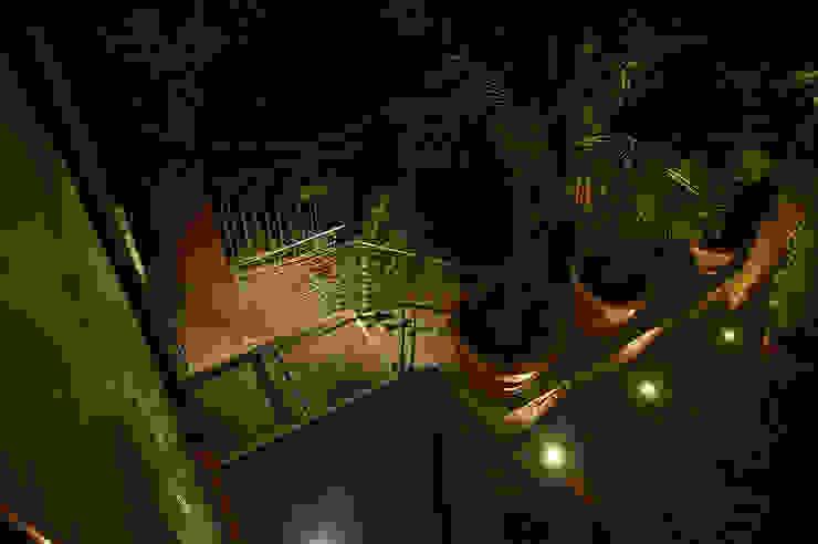 Klasyczny balkon, taras i weranda od homify Klasyczny