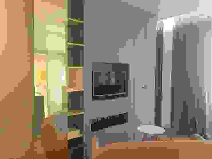 Rénovation d'un appartement à Lyon02/ Bellecour Modern living room by Pepper Butter Modern