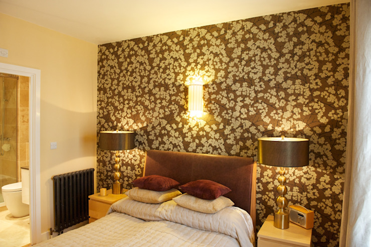 Master bedroom feature wall Modern style bedroom by Chameleon Designs Interiors Modern