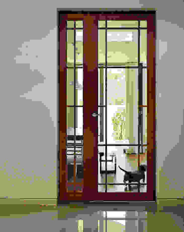 エントランスホール H建築スタジオ モダンスタイルの 玄関&廊下&階段