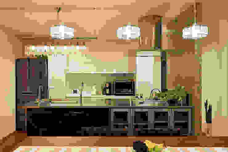 Cocinas de estilo moderno de H建築スタジオ Moderno