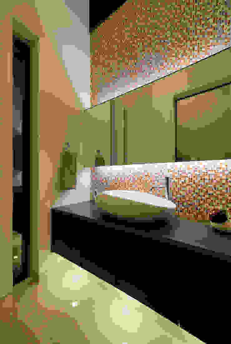 手洗い H建築スタジオ モダンスタイルの お風呂