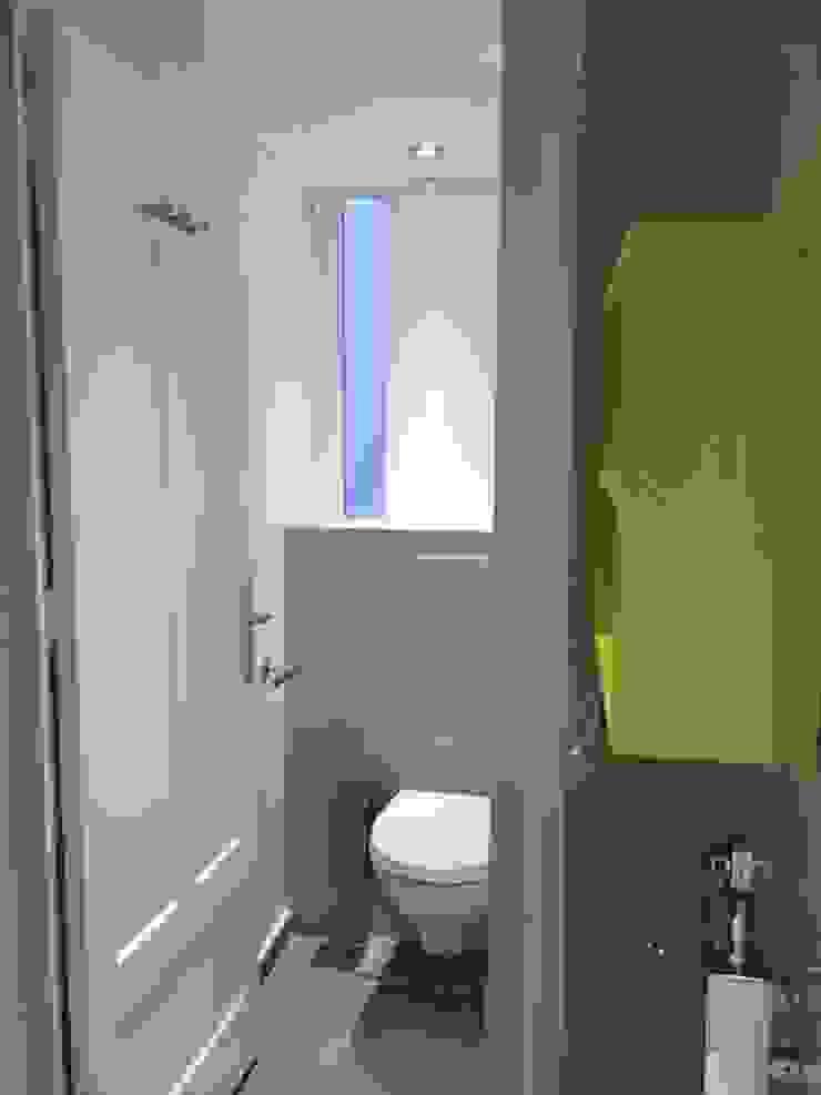 Rénovation d'un appartement à Lyon02/ Bellecour Modern bathroom by Pepper Butter Modern