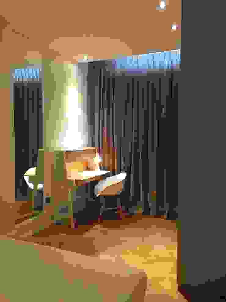 Rénovation d'un appartement à Lyon02/ Bellecour Modern study/office by Pepper Butter Modern
