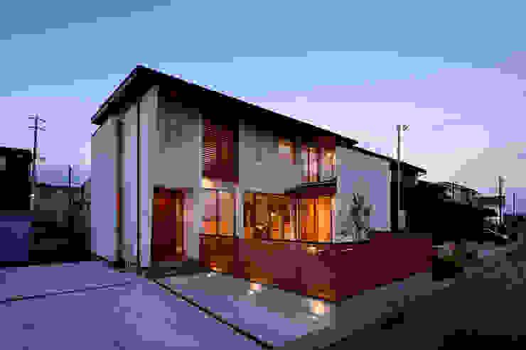 Casas modernas de H建築スタジオ Moderno
