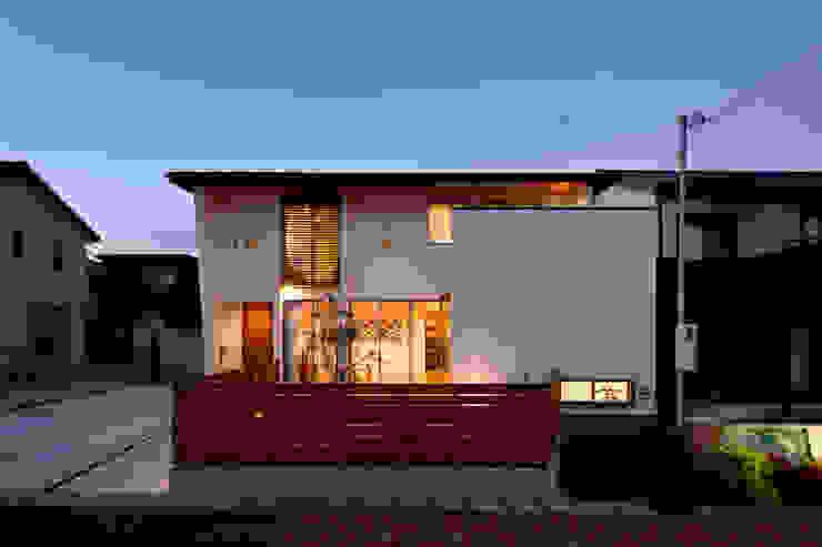 Houses by H建築スタジオ, Modern