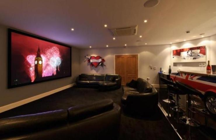Project 10 Woldingham Flairlight Designs Ltd Multimedia roomElectronic accessories