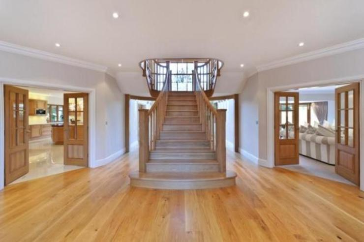 Project 10 Woldingham Flairlight Designs Ltd Corridor, hallway & stairsLighting