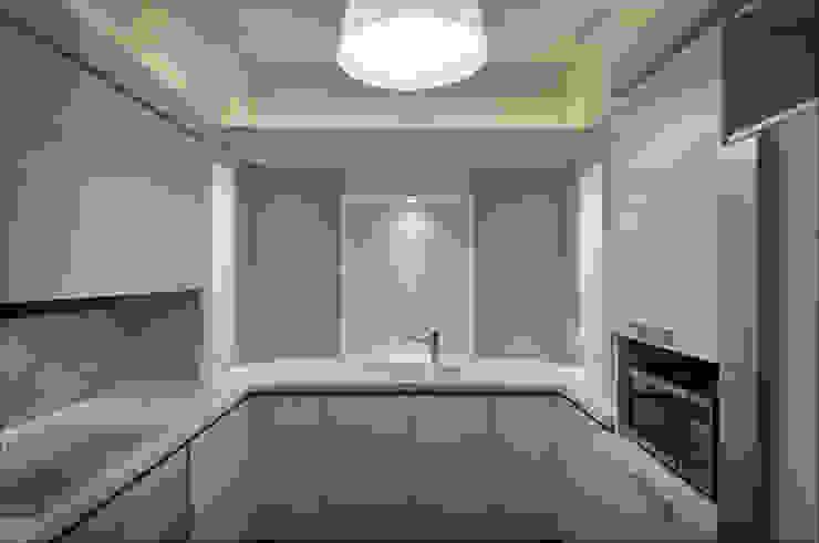 Квартира Мити Фомина Кухня в стиле модерн от Студия дизайна интерьера Лелы Кавтарадзе Модерн