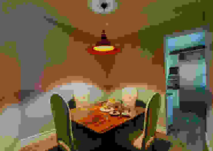 Salas de jantar  por nimú equipo de diseño, Clássico