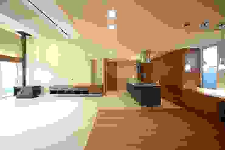 HOME-KS: atelier raumが手掛けたキッチンです。,モダン