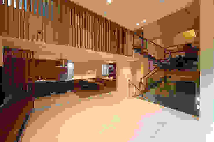 HOME-KS Modern living room by atelier raum Modern