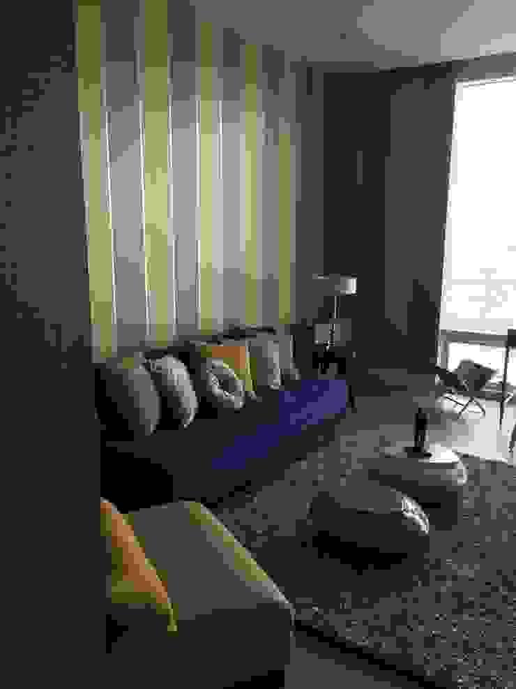 Interiorismo Salones modernos de KAUS Moderno