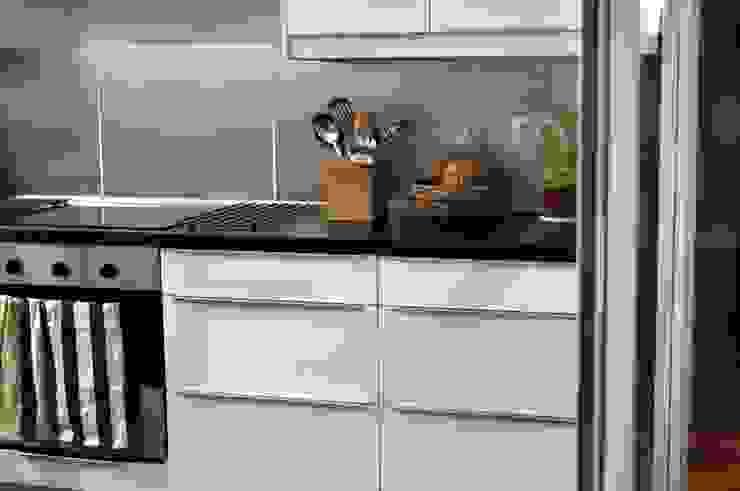 #áticoJERÓNIMOS Cocinas de estilo moderno de +2 Moderno