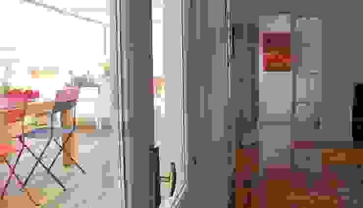 #áticoJERÓNIMOS Salones de estilo moderno de +2 Moderno