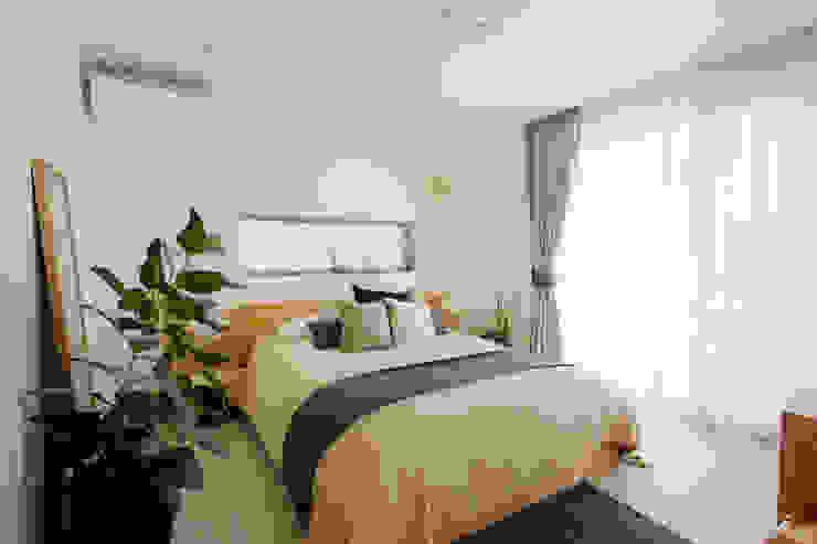 寝室 H建築スタジオ モダンスタイルの寝室