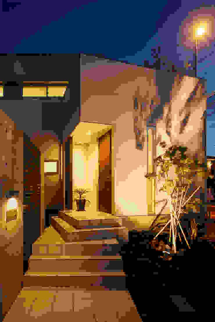 H建築スタジオ Casas de estilo moderno