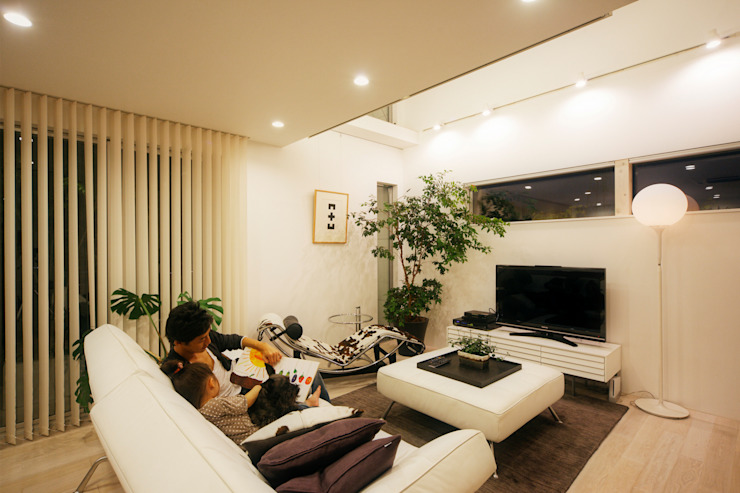 H建築スタジオ Salones de estilo moderno