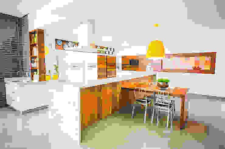 مطبخ تنفيذ Rafaela Dal'Maso Arquitetura,