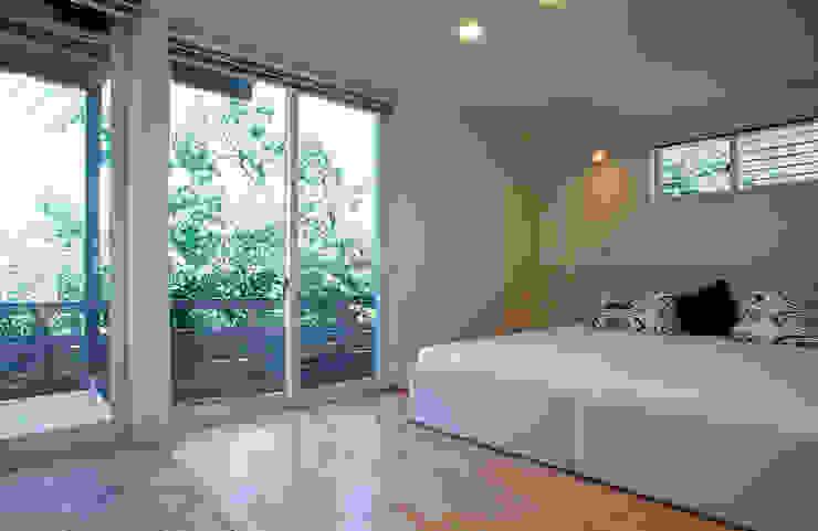Modern Bedroom by ジェイ石田アソシエイツ Modern