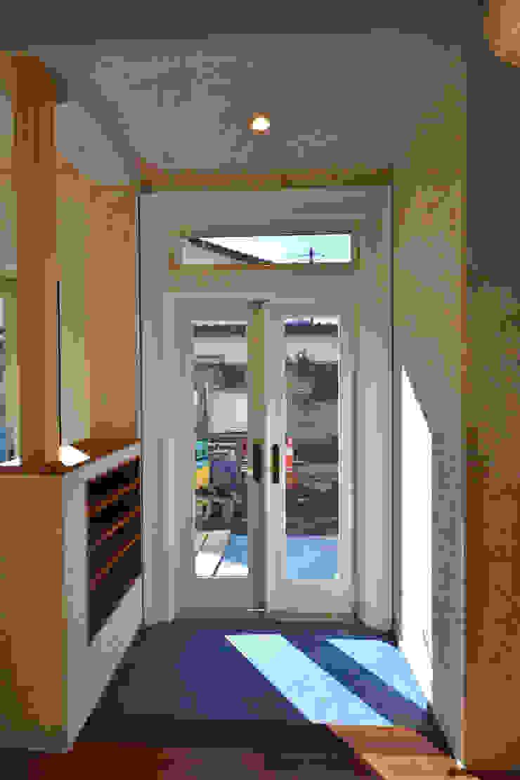 景色を切取って楽しむ カントリーな 窓&ドア の 戸田晃建築設計事務所 カントリー