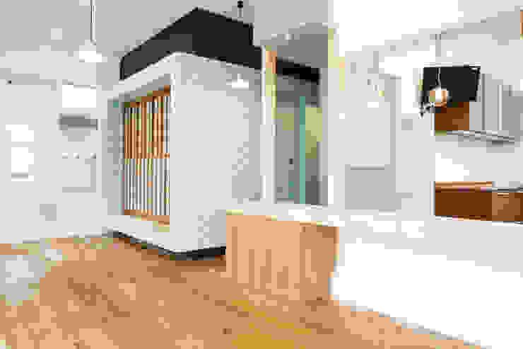 プレゼントボックス ミニマルデザインの ダイニング の 戸田晃建築設計事務所 ミニマル