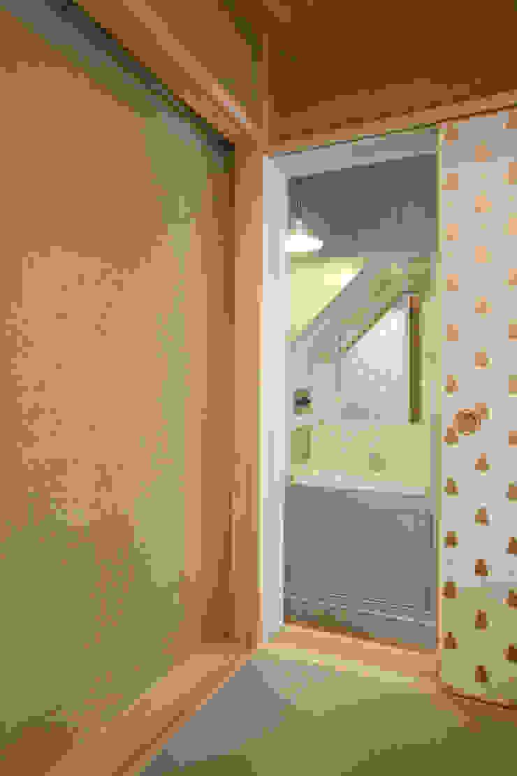 洗面スペース カントリースタイルの お風呂・バスルーム の 戸田晃建築設計事務所 カントリー