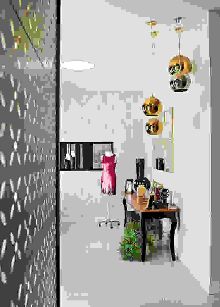 Consuelo Comelli Boutique de Vestidos Lojas & Imóveis comerciais ecléticos por Rafaela Dal'Maso Arquitetura Eclético