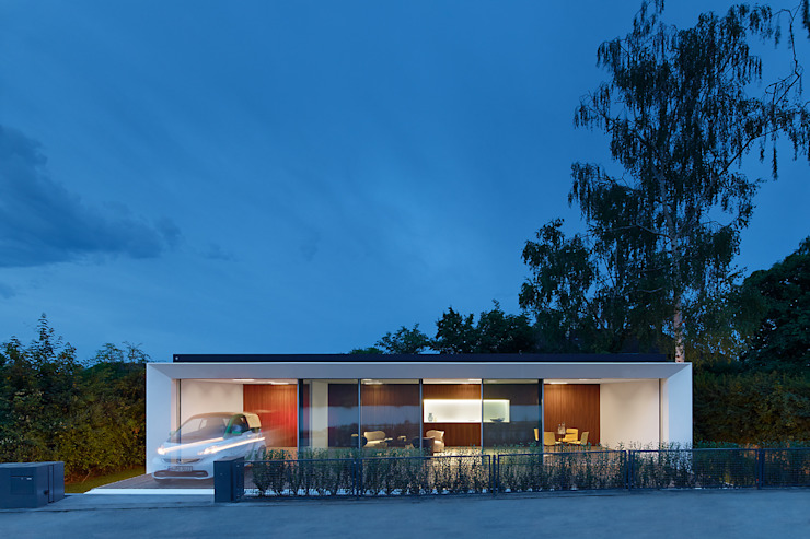 Balcones y terrazas de estilo moderno de WERNER SOBEK Moderno