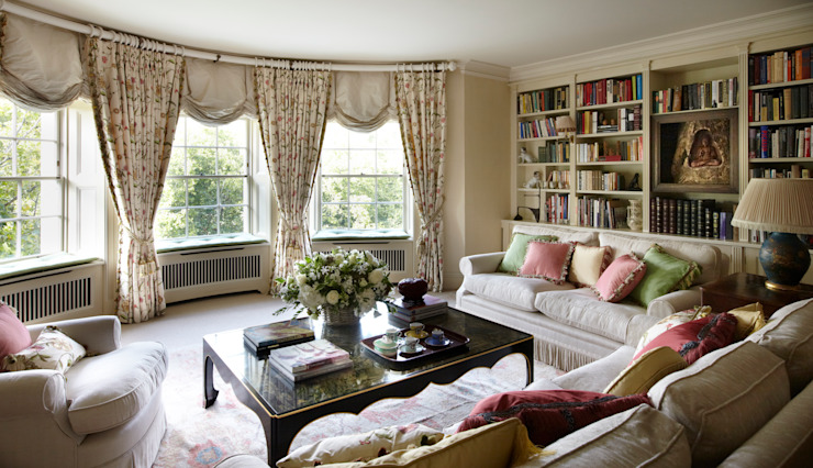 Drawing Room. Classic style living room by Meltons Classic