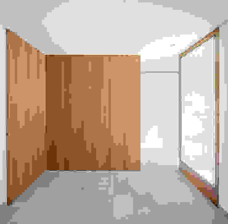Casa CP Alventosa Morell Arquitectes Minimalist walls & floors