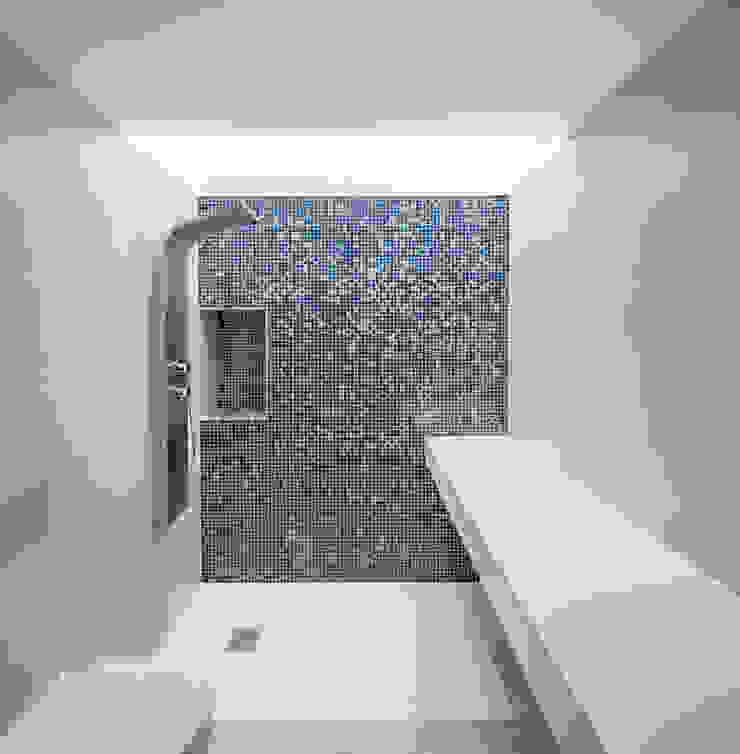 Casa CP Alventosa Morell Arquitectes Minimalist bathroom