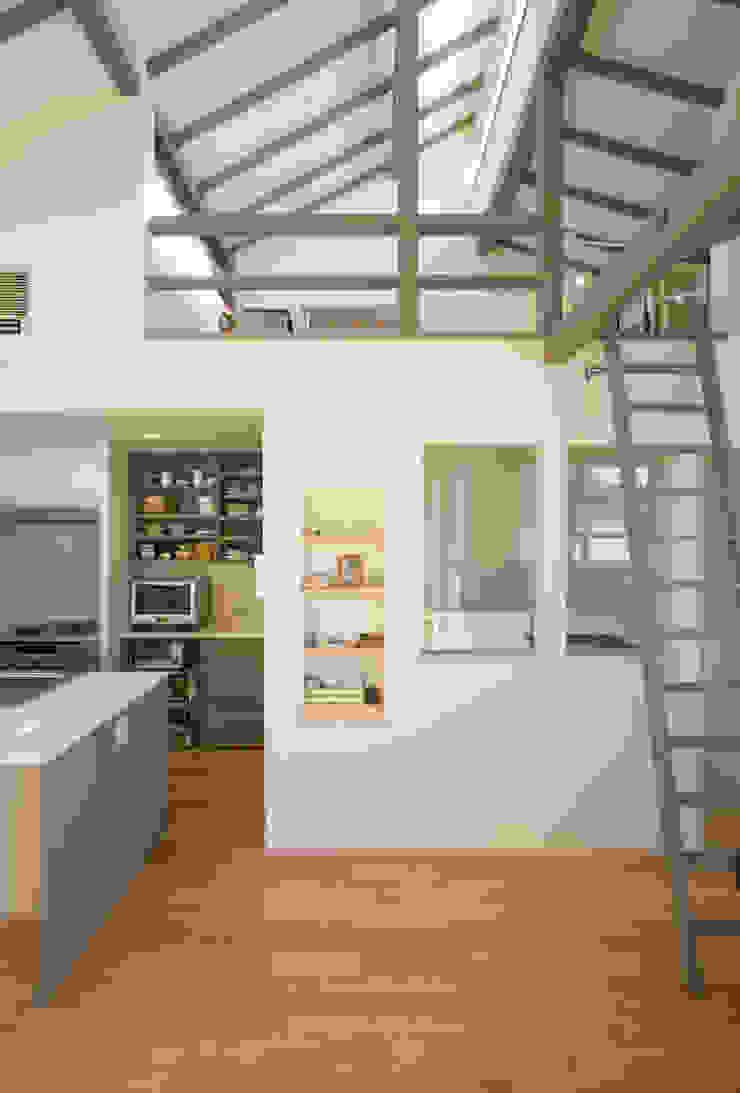 メロディーが囁く家 オリジナルスタイルの 玄関&廊下&階段 の ジェイ石田アソシエイツ オリジナル
