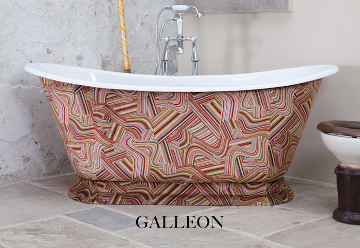Galleon Cast Iron Bath Clad in Andrew Martin Vita Multi Fabric Hurlingham Baths Kamar Mandi Klasik