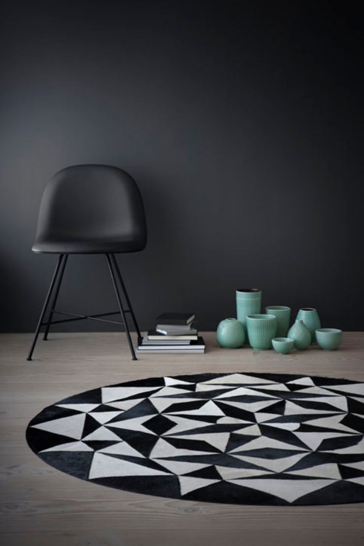 WovenGround Ambition round rug: modern  by WovenGround, Modern