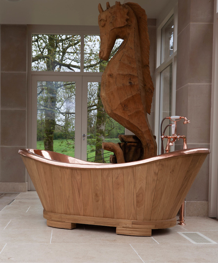 The Sloop Copper bath clad in Oak Hurlingham Baths Kamar Mandi Klasik