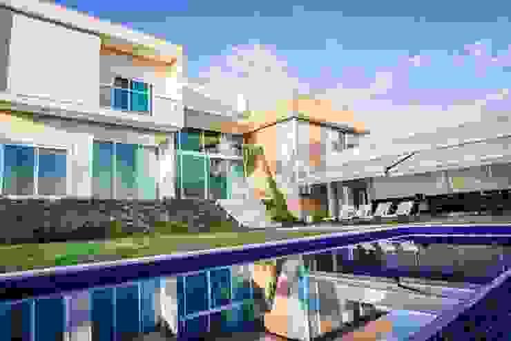 HAUS Casas estilo moderno: ideas, arquitectura e imágenes