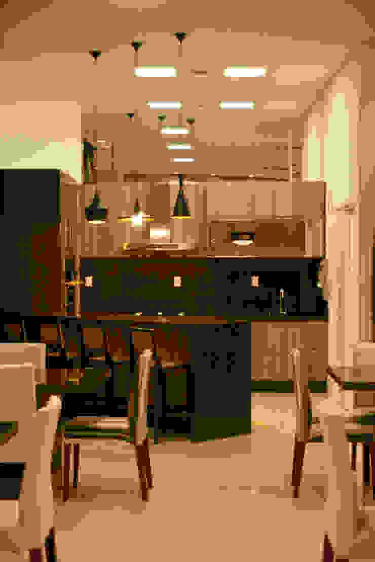 Modern kitchen by Daniela Vieira Arquitetura Modern