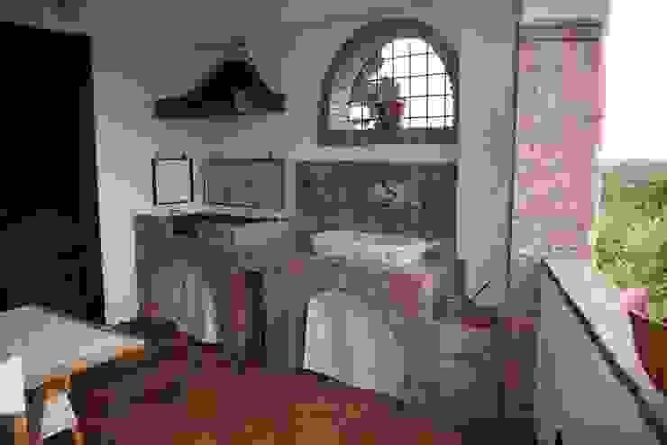 ريفي  تنفيذ Studio di Progettazione Arch. Tiziana Franchina, ريفي
