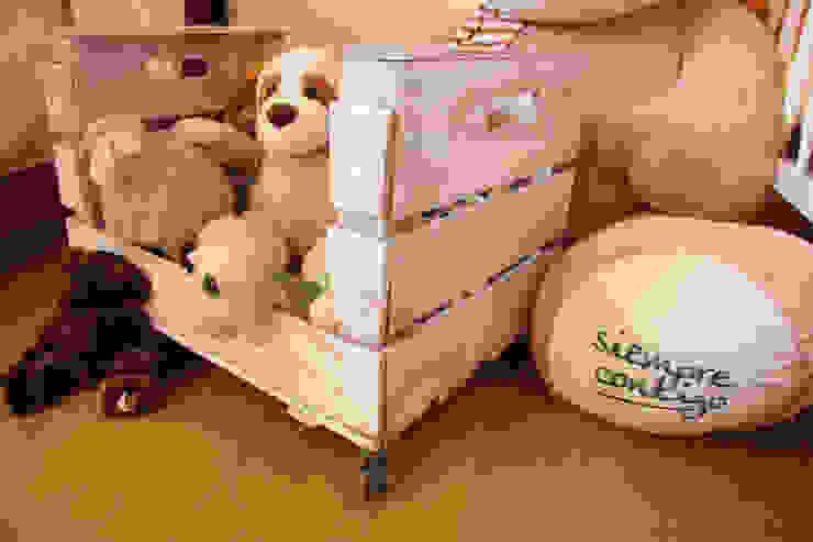 OLIVO revistero cajas fruta de ECOdECO Mobiliario Rústico