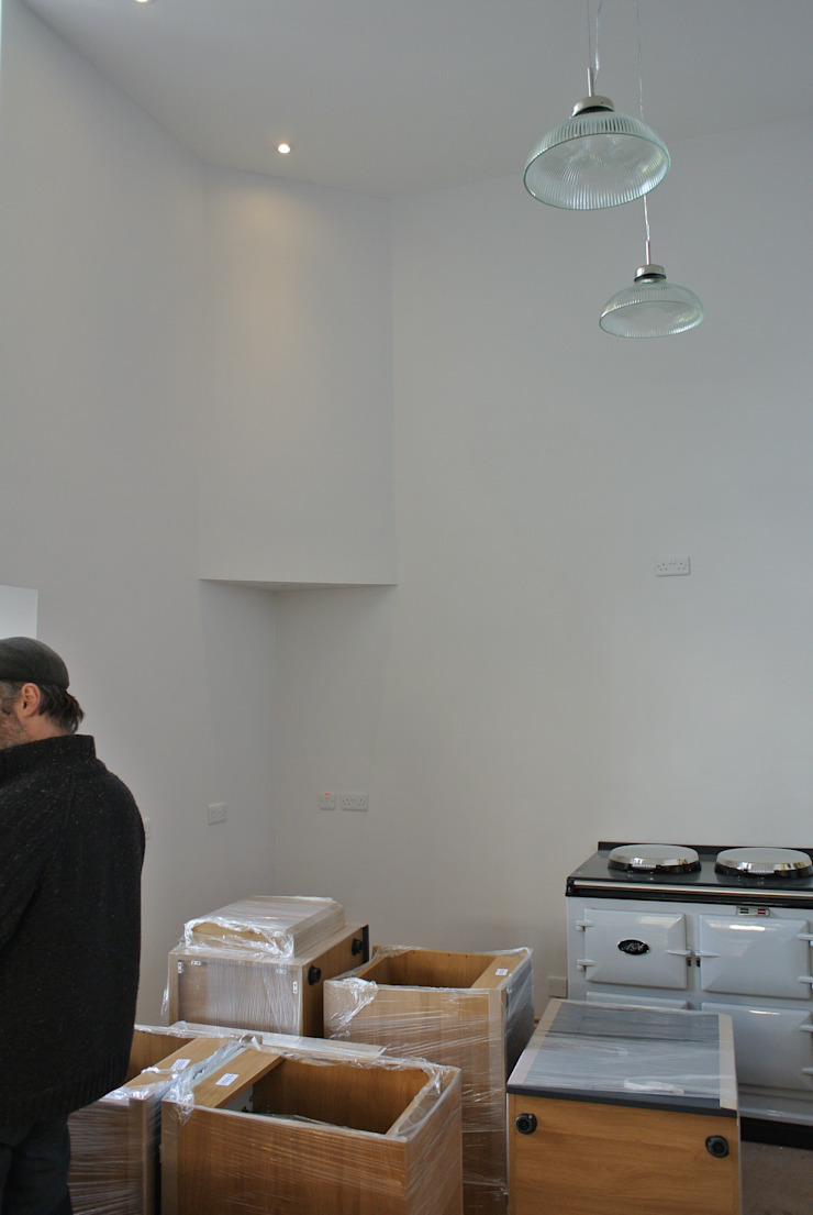 Bespoke Painted Kitchen, Elgin, Moray, Scotland UK van Glenlith Interiors (Scotland) Ltd