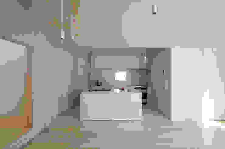 LIVING・DINNING・KITCHEN ミニマルデザインの キッチン の YUCCA design ミニマル